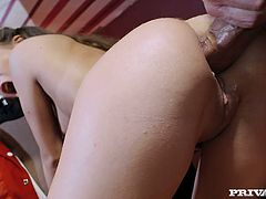 Slutty hot blowlerina Anita Bellini wanna be fucked rough