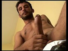 tot turkish guy cumshot