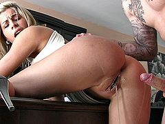 Perfect body fucked  hard on the table.Teens getting shaged onto street.