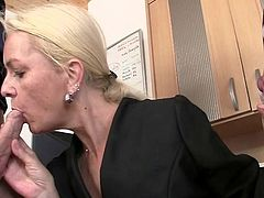 She licks and shaggs couple roosters at job interview