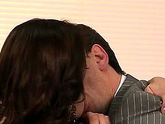 Samantha Ryan had a hard day at work and she wants to relax with her boss, Mr. Ferrara, and swallow his yummy dagger. Manuel cant lost this awesome opportunity. Watch and have fun