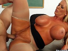 Zealous tanned bitchie teacher Alura Jenson enjoys being banged mish on desk