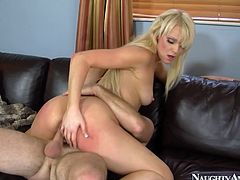 Passionate nympho Zoey Paige rides a dick emotionally for reaching orgasm