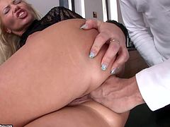 Pretty blonde milf Sarah Simon proves that she is a cock-sucking pro to some dude. Then she takes his hard prick in her asshole and gets it fucked deep and hard.