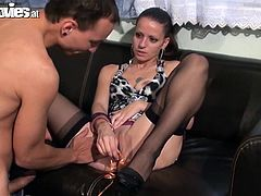 It's Larissa Gold's birthday and nothing like a good threesome with to cocks to celebrate! See her enjoying her gift!