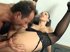 Mya Diamond takes an anal drilling in office