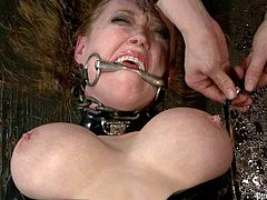 This sizzling and petite blond siren named darling gets some tit bondage and that is fucking painful. Honey loves having some sharp pain.