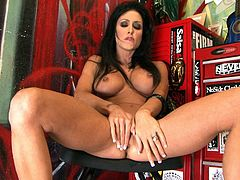 Brunette with fake tits Jessica Jaymes masturbates