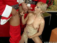 Lee Lexxus gets banged at both ends on Christmas