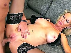 Sexy milf Emma Starr enjoys stimulating hunk Keiran Lee with the full package