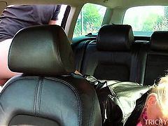 Sexy amateur cunt smashed in the taxi gets cumshot