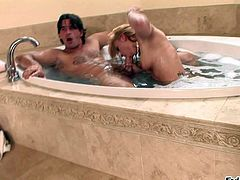 Naked blonde Kirra Lynne takes a bath with Manuel Ferrara. Sexy assed slut sucks and rides his hard beefy cock in front of curious brunette Kristina Rose. Blonde does it with wild passion.