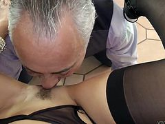 Valentina Valenti is a true seductress having killer body and unconditional passion. She plays with her pussy in the beginning of the session. Later she performs awesome blowjob.