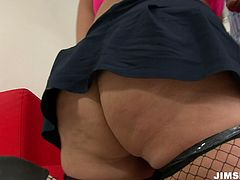 Big bottomed hussy whore is ready for hardcore pounding. She gets her fat cellulite ass fucked hard in doggy style. Enjoy hot tempered babe for free.