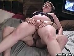 Take a look at this hardcore scene where a chubby mature has a threesome with two big cocks that make her day and leave her with a messy facial.