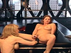Horny mature likes teasing young hottie into naughty lesbian softcore session
