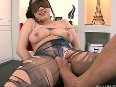 Bosomu Japanese milf Kaede Niiyama is playing dirty games with some kinky dude indoors. The man restrains and blindfolds the slut and then plays with her massive natural tits and nice pussy.