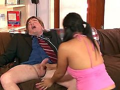 Adriana Luna tries her hardest to make fuck buddy bust a nut