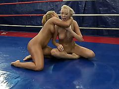Blonde Linda Ray cant keep her fingers off Teena Dollys love hole
