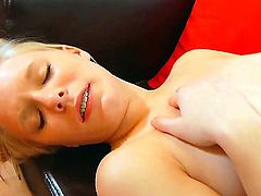 Kyleigh Ann loses control after taking fingers in her pussy