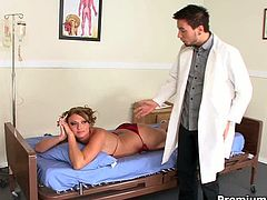 Giant booty of PAWG blondie Ava Rose gets fucked by doctor