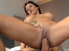After having her pussy smashed in hardcore young babe enjoys jizz on her face