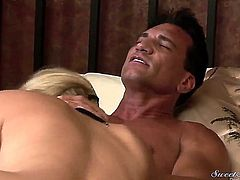 Nicole Ray is the cutest and the bubbliest thing out there and she is seduced by Marco Banderas here. He takes charge and licks her into submission and she is then sucking him off.