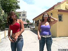 Spicy J and Gia Malone scream in lesbian ecstasy
