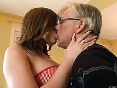 Donna Bell asks Christoph Clark to ignore her pussy cuz she loves ass fucking