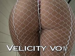 John Stagliano whips out his meat pole to fuck Velicity Von