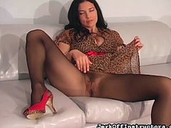 Busty brunette enjoys having her hairy cunt deep stimulated in pantyhose solo