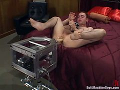 Butt machine lover Craig prepares himself for a hot experience with his machine. Craig lubed his anus and now the dildo attached at the machine drills his tight, shaved anus. He loves it and masturbates as the fucking machine does it work. Let's see how deep will he enjoy it in the ass and if it will make him cum