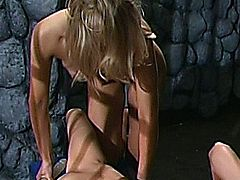 Jessica Jaymes and Laurie Wallace in some lesbian one on one