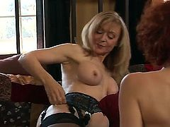 Nina Hartley is good on her way to satisfy her lesbian friend Justine Joly