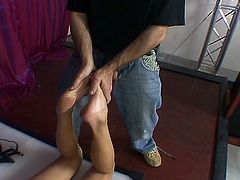 Amateur girl loves to rub her feet against her man's cock. She loves to strock that dong and to make her man cum, check this hot footjob video out and enjoy!