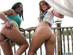 Brooklyn Lee with big booty spends her sexual energy with lesbian Mariah Milano