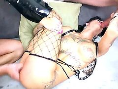 Bonnie Rotten gets face fucked ferociously by Billy Glide