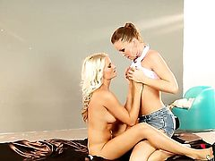 Jessie Hazel gets her love tunnel attacked by lesbian Silvia Saints tongue