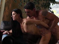 Romantic sexy time with torrid brunette babe India Summer