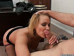 Charles Dera has a good time banging Mellanie Monroe with phat bottom and hairless cunt