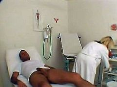 This performance Starts Blonde Doctor Monica cthis chabcking up onto that guyr patient. this Babe noticed his cucumber grew hard and decided to DO something about it. here that honey Made the dude take it out of his pants and entreatan slurping it till it got strong and ready to fuck her wet pussy.