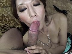 Sweet asian babe loves feeling warm cock sliding her mouth in superb oral scene