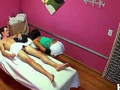 Have fun seeing this scene with Jayden Lee and Justin Hunt. Beautiful Asian girlie gives intimate massage to man before feeling his penis in mouth and then in twat.