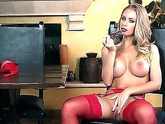 Nicole Aniston is the hottest bitch in the world! She looks so damn hot and horny in this video! She masturbates with a toy and gives her fans something to wank their cocks on.