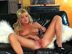 Niki Young loves to play with her pink pussy. She love to toy it like a real pro and while doing that she enjoys every bit of that pleasure. This video is so fucking amazing!