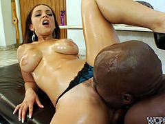 Brunette bombshell Liza Del Sierra gets fucked up by long black dick