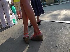 Sexy babe gets her sexy ass exposed during hot and naughty upksirt video in public