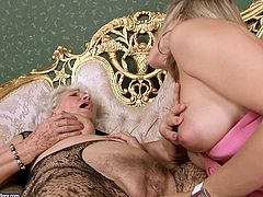 In this old vs young compilation some stunning chicks lick and fist old pussies. They also give a rimjob and have a lot of fun.
