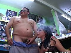 Messy tattooed slut makes out with two fat dads in gangbang sex orgy