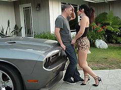 Alex just finished repairing Jayden's car but now that he's done the brunette simply says that she doesn't has money! Looking so damn fine it's understandable why she's not used with paying for things so in exchange she does what she knows best. The mechanic receives his payment as she kneels and sucks his cock.